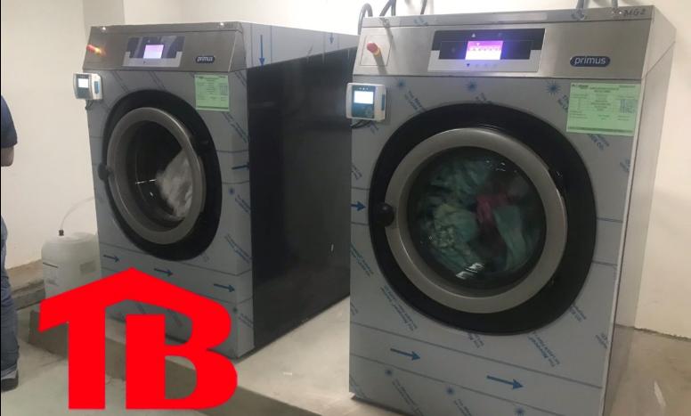 mua máy giặt công nghiệp đế cứng