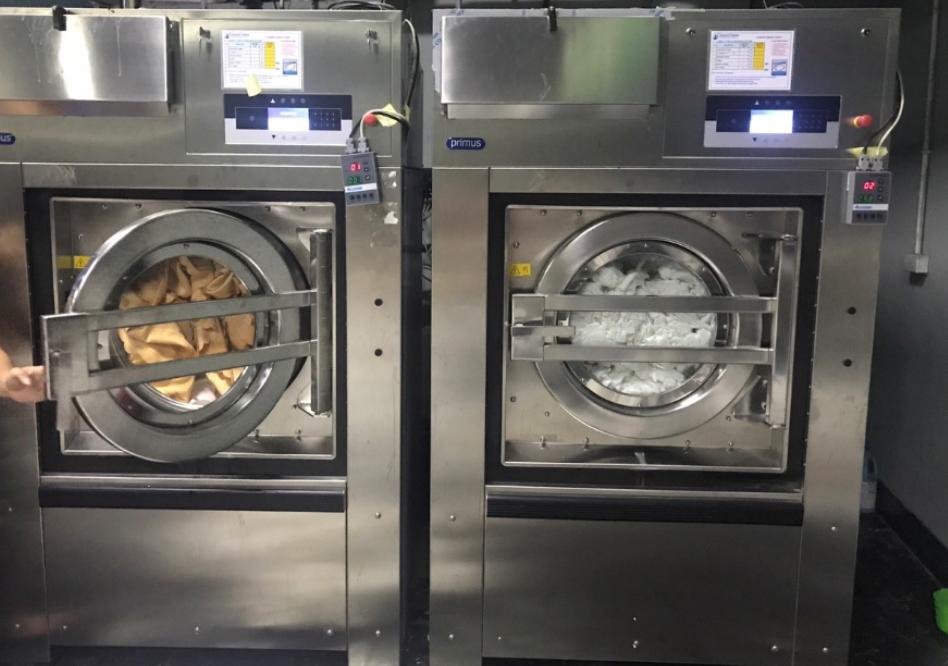 Thiết bị giặt là máy giặt công nghiệp